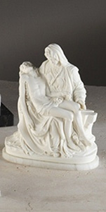9inch Alabastor Pieta on a Marble Base
